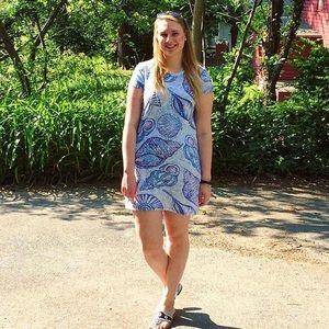 Lily Pulitzer t shirt dress size medium